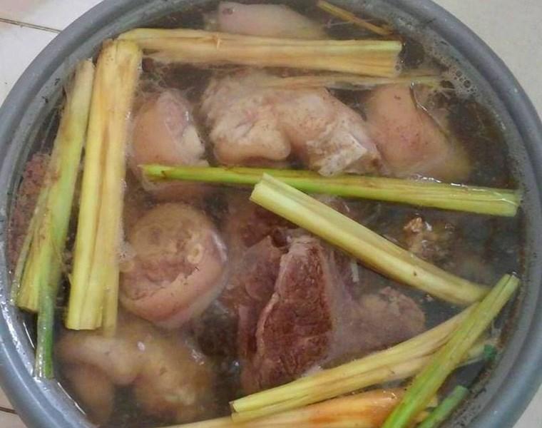 Cách nấu bún bò Huế ngon đậm vị tại nhà