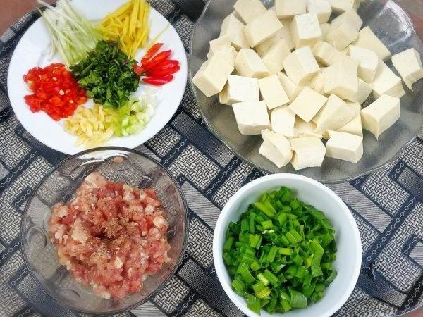 Cách làm món đậu hũ sốt Tứ Xuyên