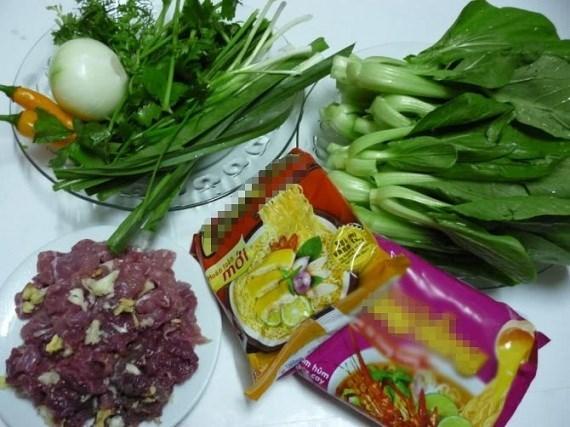 Mỳ xào thịt bò rau cải cho bữa sáng đầy năng lượng